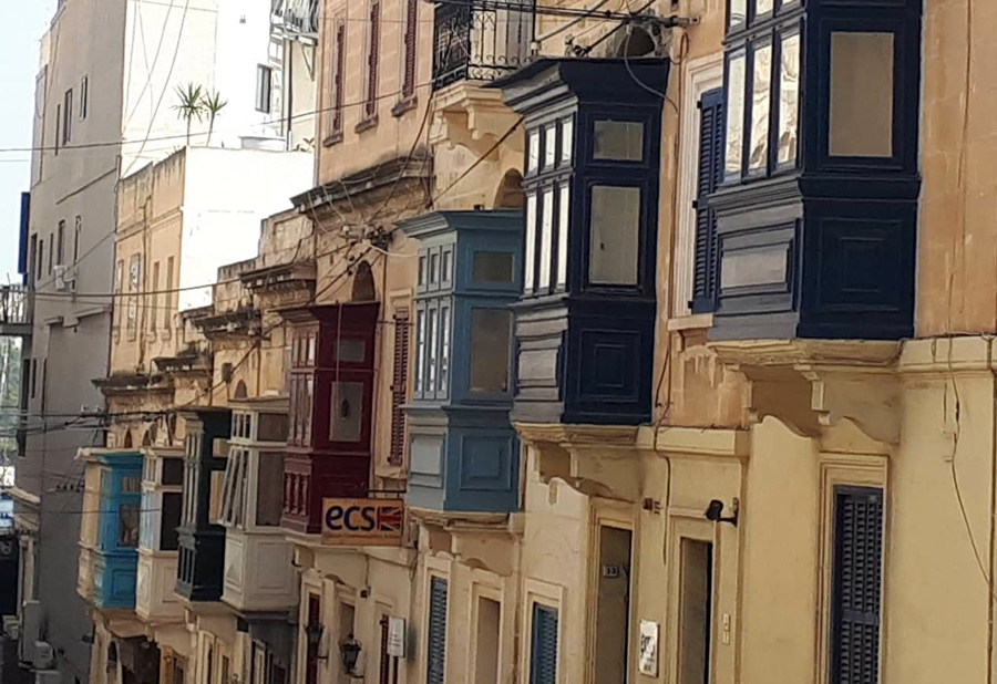 Maltos balkonai